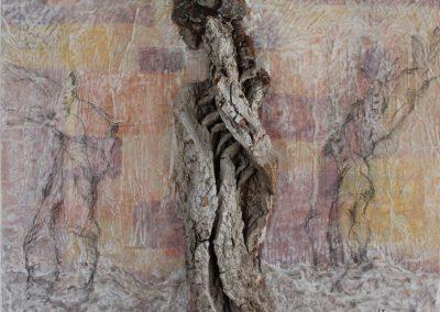Christine Krause: Waldsterben (2013), Pigment und Grafit mit Japanpapier, Rinde